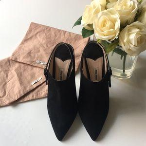 Miu Miu Blak Suade Point Toe High heels
